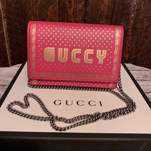🔥NEW🔥 Hot Pink Guccy Wallet on Chain